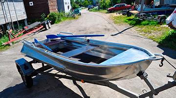 лодка блике